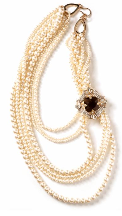 Gala brooch strand necklace