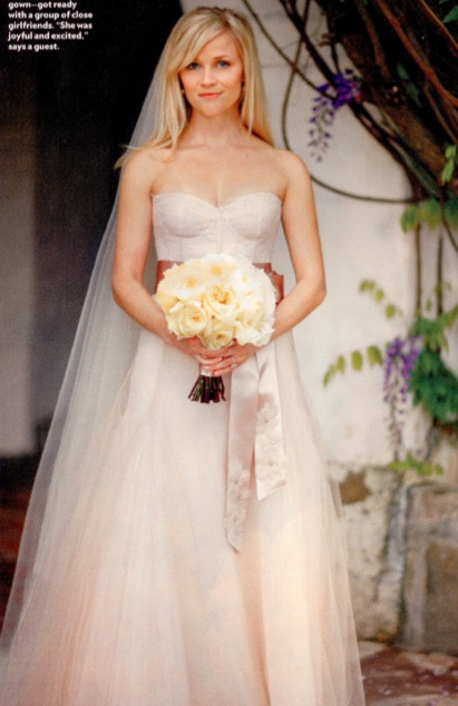 reese witherspoon wedding dress. Reese Witherspoon Wedding
