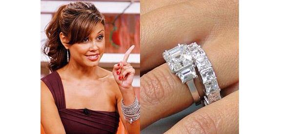 Get Vanessa Minnillos Asscher Cut Ring Minus The Boy Band Singer Who    Vanessa Minnillo Wedding Ring