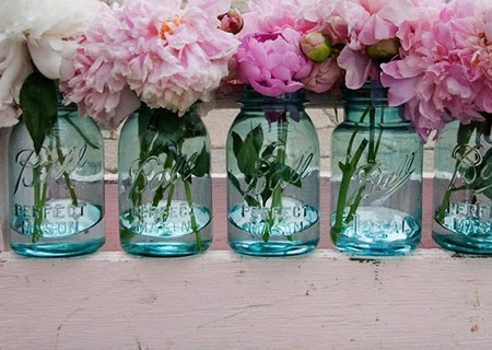 Mason Jar Centerpieces | DIY Wedding Decor | Inexpensive Wedding Decor