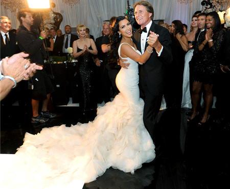 Kim kardashian wedding photos kim kardashian wedding dress photo for her second and third wedding dresses kim junglespirit Images