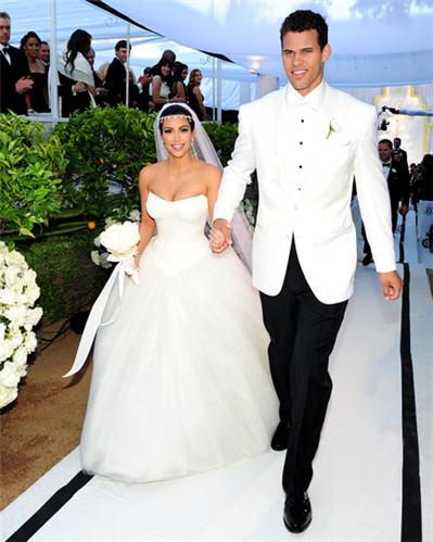 Kim Kardashian Wedding Photos Kim Kardashian Wedding Dress Photo Shefinds
