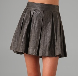 Alice + Olivia Louise Leather Skirt In Grey