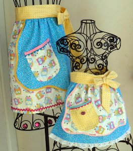 Mommy Me Apron Set