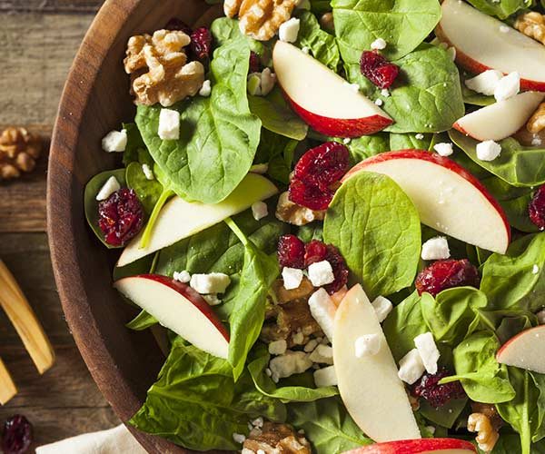 Almonds at a satisfying crunch to salad