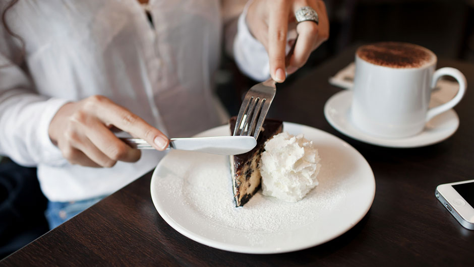 The One Dessert That Won't Slow Your Weight Loss, According To A Nutritionist