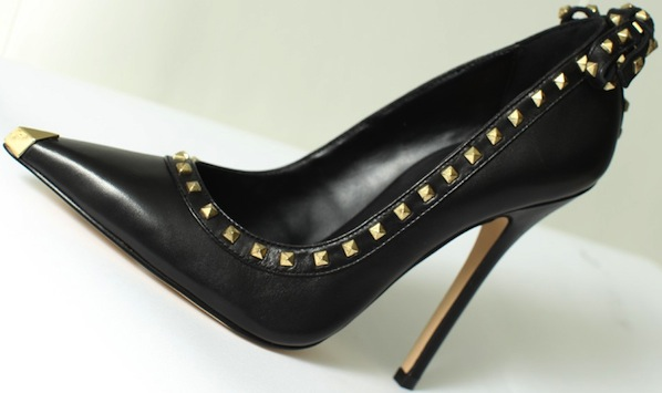Pointed-toe pump with stud details