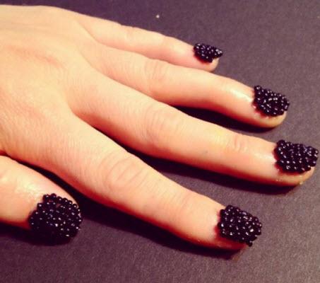 Blackberry nails