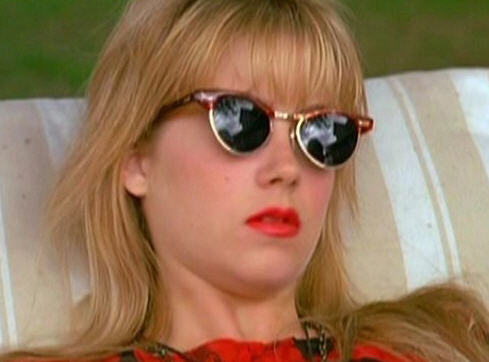 club masters sunglasses 87nl  Christina Applegate's Clubmasters from Don't Tell Mom The Babysitter's Dead