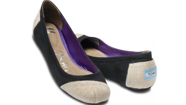 flat shoes toms