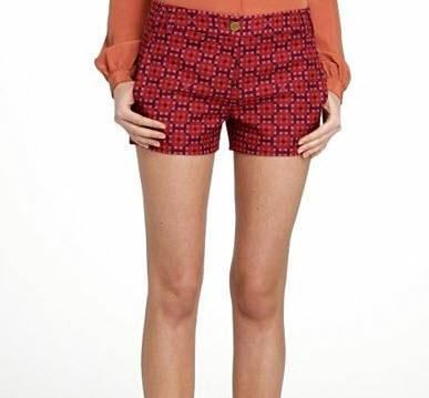 15. Printed short-shorts