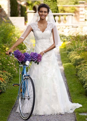 Ellie Kemper Wedding Dress