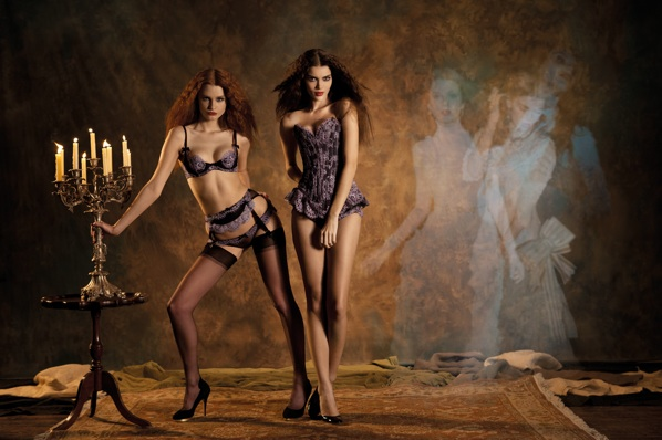 Agent Provocateur s Fall Winter Collection Inspired By Elizabeth Taylor     Dracula  5bb9f1c33