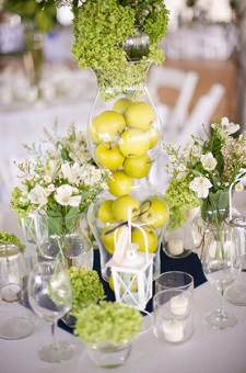 Acorn centerpiece idea you can get the same effect with apples style me pretty junglespirit Image collections