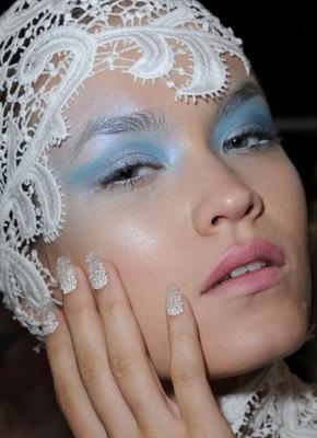 Joy Cioci water bubble nails CND