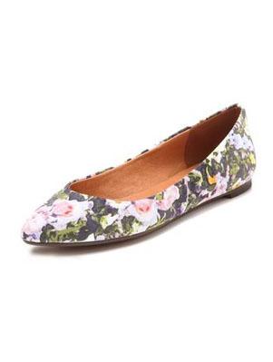 086afe8ccf5 Stella McCartney Floral Jacquard Kitten-Heel Pump - SHEfinds