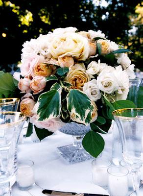 lush garden-style centerpiece « SHEfinds