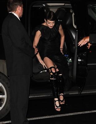 Wardrobe Malfunctions Hathaway Anne Hathaway W...