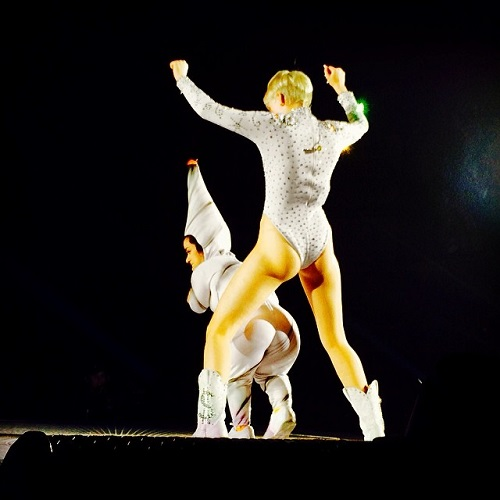 miley cyrus bangerz tour (3)