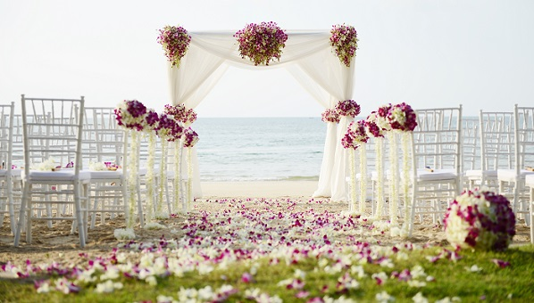 small wedding advice tips for planning a small wedding