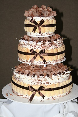 tiramisu wedding cake nyc creative wedding cake ideas pretty wedding cakes 171 shefinds 21027