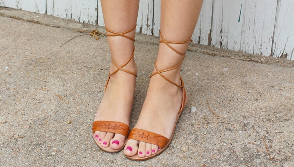 We re All Wrapped Up In This Summer s Ankle-Tie And Lace-Up Sandals Trend 7f6c0955499e