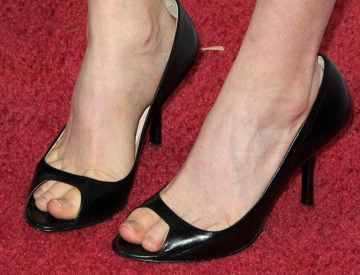 Celebrities With Bad Feet | Celebrities With Ugly Toes