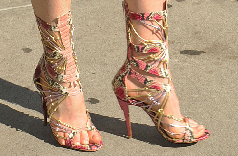 Famous Women With Bad Feet 91