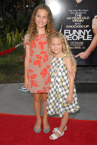 Maude and Iris Apatow, daughters of Judd Apatow and Leslie Mann