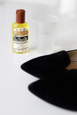 how to get stinky smell out of sneakers