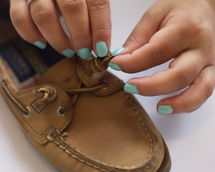 how to put laces in sperry topsiders