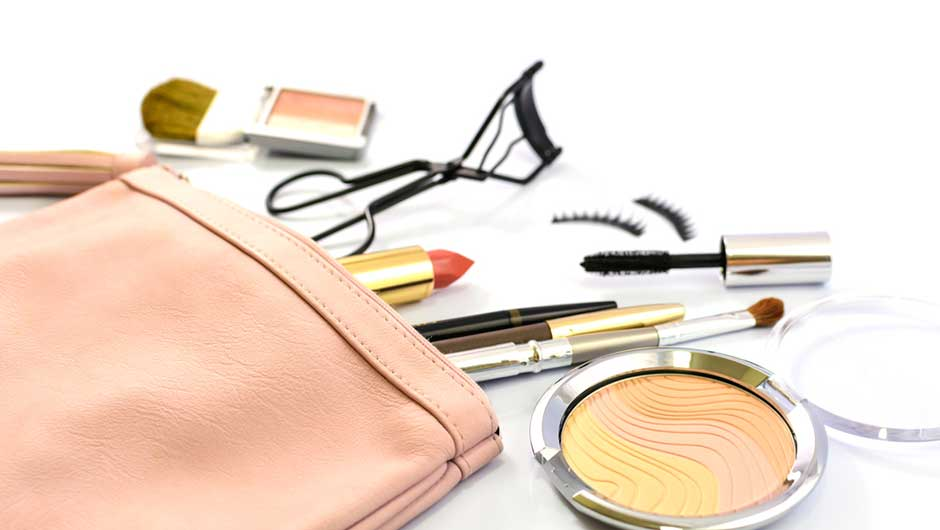 Every Girl Should Have These 8 Items In Her Makeup Bag
