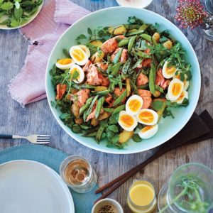 shelter-island-home-salad-eggs-salmon-peas-10-005-d111623_sq