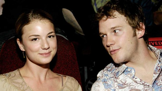 11 On-Screen Siblings Who Dated In Real Life