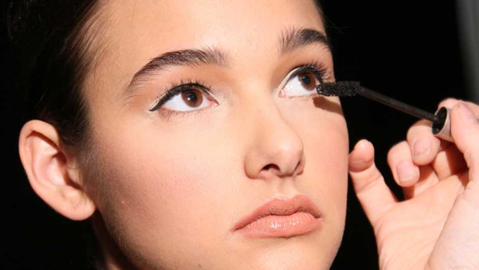 The One Thing You Shouldn't Do When Putting On Mascara
