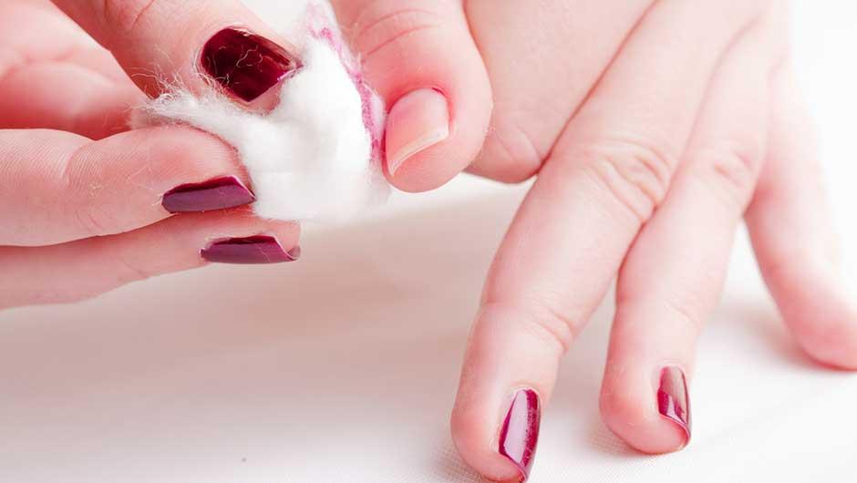 Best Nail Polish Removers | Safe Nail Polish Removers