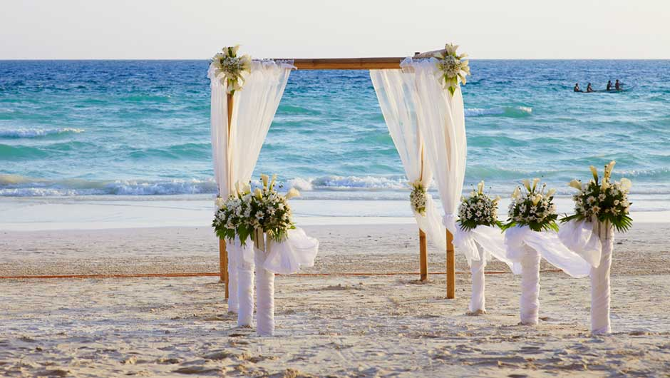 Who Pays For What At Destination Weddings