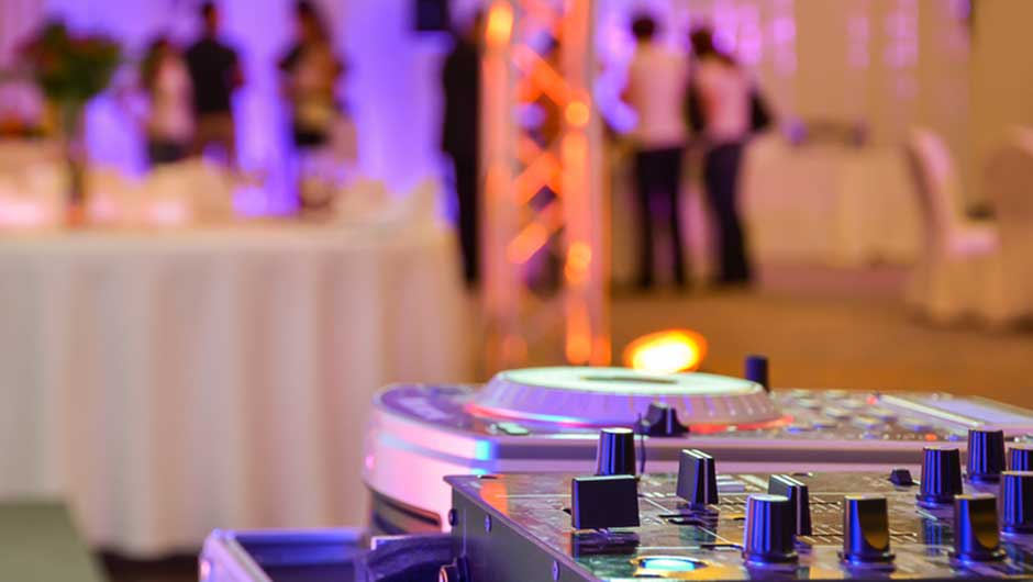 Dj It S A Common Dilemma For Planning Their Wedding And Which One You Choose Can Set The Tone Your Reception So Think Carefully Before Making