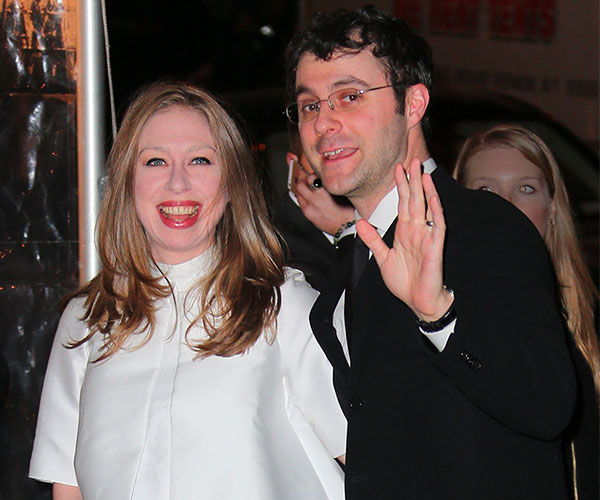 Chelsea Clinton with her husband in happy mood