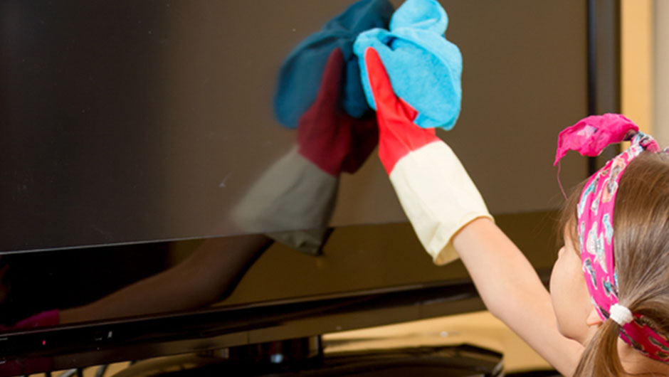 Once And For All, The Right Way You Clean Your TV Screen