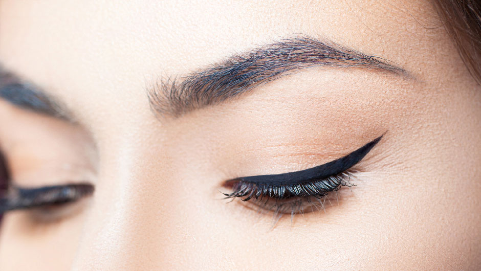 Eyeliner Hack | How To Do The Perfect Cat Eye