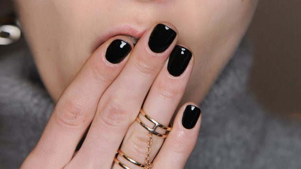 Are Gel Manicures Really <em>That</em> Bad For Your Nails?