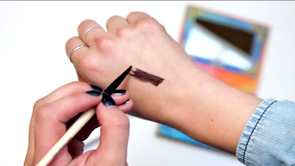 VIDEO: This Is The <em>Easiest</em> Way To Make Liquid Eyeliner--Trust Us