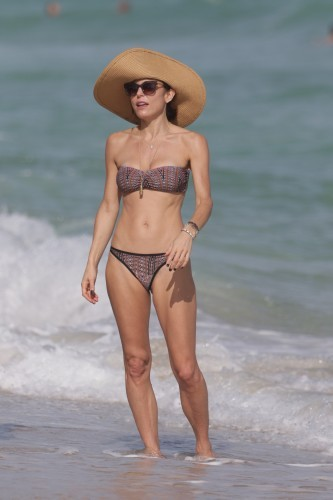 Bethenny Frankel in Bathing Suit at Miami Beach