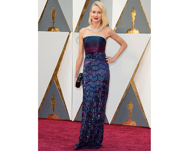 Naomi Watts n this ultra-flattering Armani Privé gown