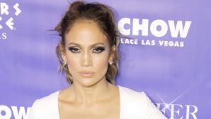 VIDEO: Jennifer Lopez Goes Makeup Free And Absolutely Kills It In This Dubsmash Video