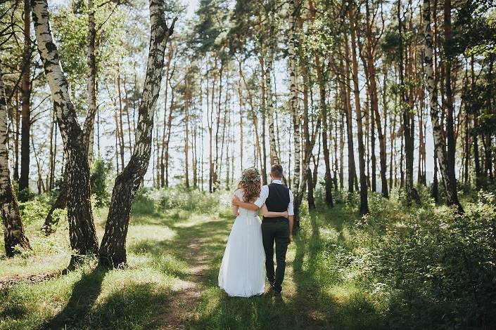 Merveilleux For Outdoor Loving Couples, The Woods Will Seem Like The Perfect Spot To  Exchange Vows. But Every Location Comes With Its Own Set Of Challenges.