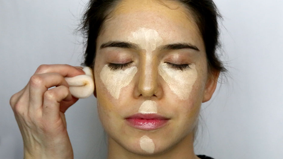 VIDEO: The Best Way To Contour--According To A Makeup Artist