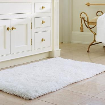 Popular A memory foam bath mat ucIt literally feels like walking on a cloud ud Khlo explained on her site Her bath mat is from Frontgate and here is one from the