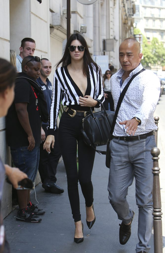Kendall Jenner goes to Chanel showroom. Kendall Jenner strolling during Men's fashion -week in Paris. 26/06/2015. Paris, France. Ref: SPL1064089 260615 Picture by: KCS Presse / Splash News Splash News and Pictures Los Angeles:310-821-2666 New York: 212-619-2666 London: 870-934-2666 photodesk@splashnews.com